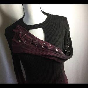 ROCK & REPUBLIC Sweater Black/Burgundy Lace Sleeve